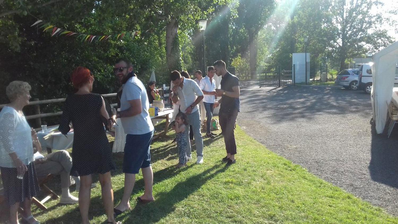 accueil des groupe - barbecue dans le domaine